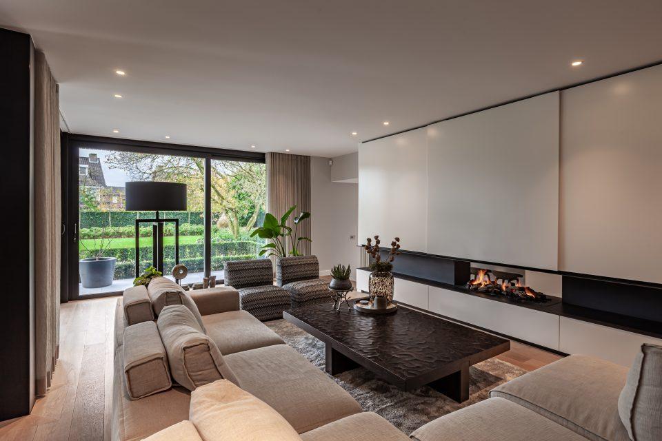 Interieurfotograaf Ivo Verschuuren maakte voor ELMI de interieurfotografie van dit luxe woonhuis